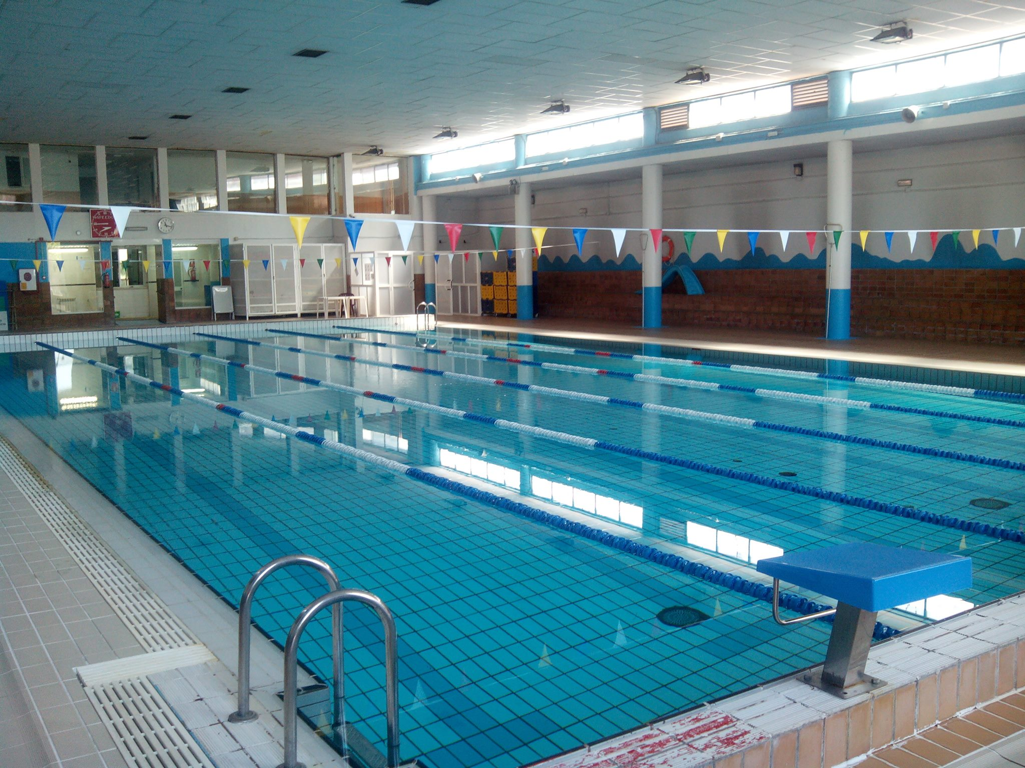Eneres noticias for Piscina polideportivo